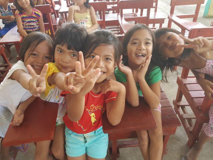 アラフォー10回留学 フィリピンのかわいい子供