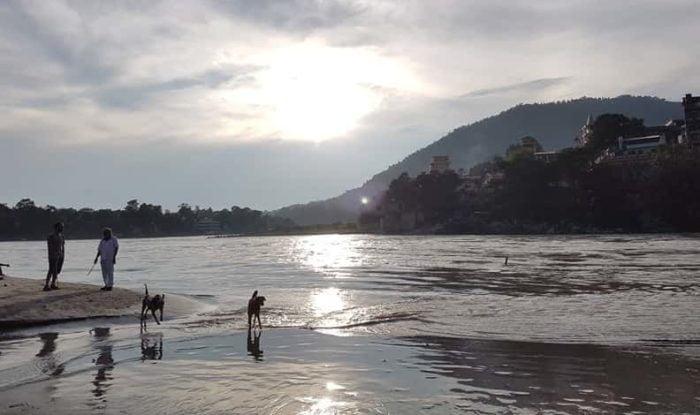 リシケシのガンジス川の夕陽