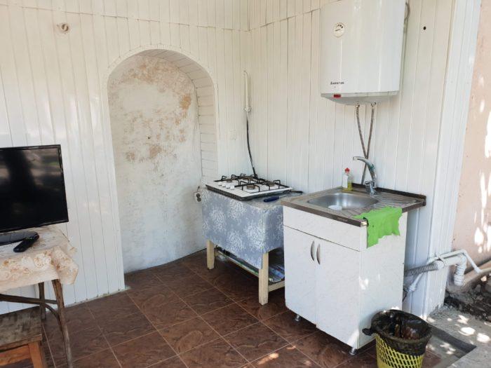 さくらゲストハウス 庭の共用キッチン