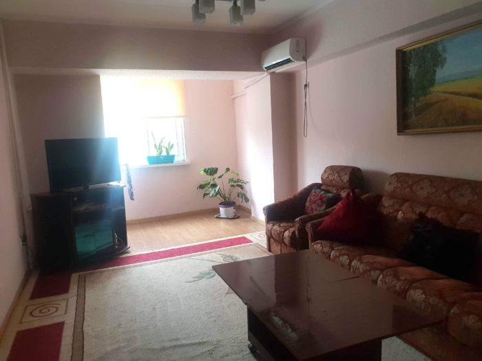Bishkek Apartment Central リビングルーム