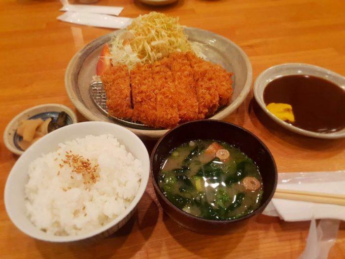 とんかつの名店 鶴亀 特大ロースカツ定食