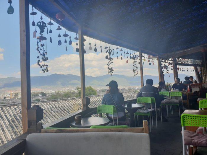 麗江 古城の頂上にあるカフェ