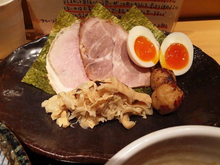 【亀有ラーメン つけ麺 道】特製つけ麺の具材