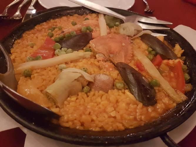Alba スペイン料理レストラン 絶品パエリア