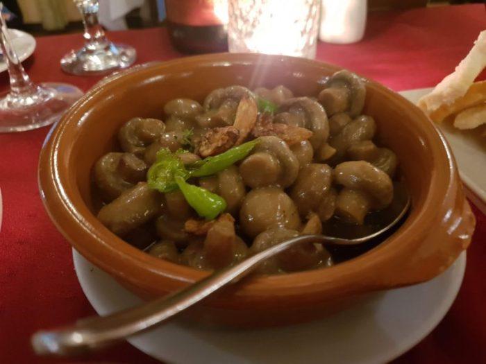 Alba スペイン料理レストラン 絶品アヒージョ