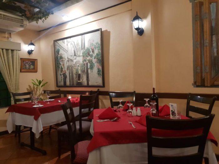 マカティのスペイン料理レストラン Alba 店内