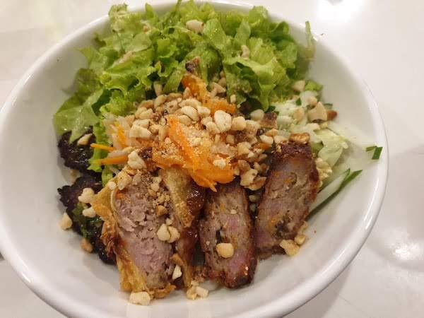 Ba Noi'sのブンチャー 美味しい(マカティ ベトナム料理レストラン)
