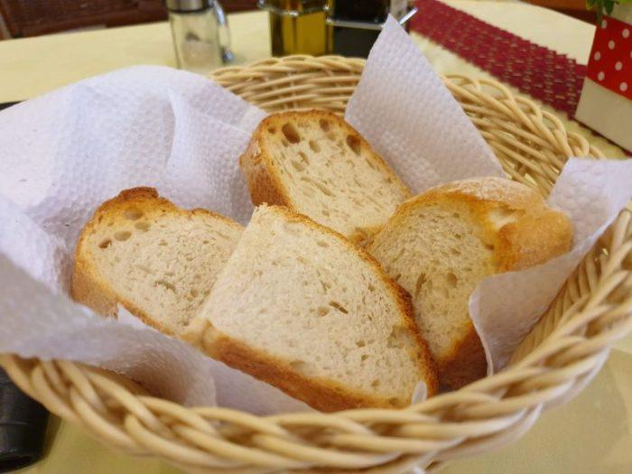 Al Bacioの無料のパン