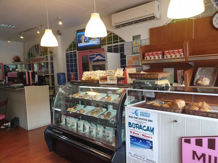 アンヘレス 一番おいしいパンやケーキ Milano's Italian Bakery and Pastry