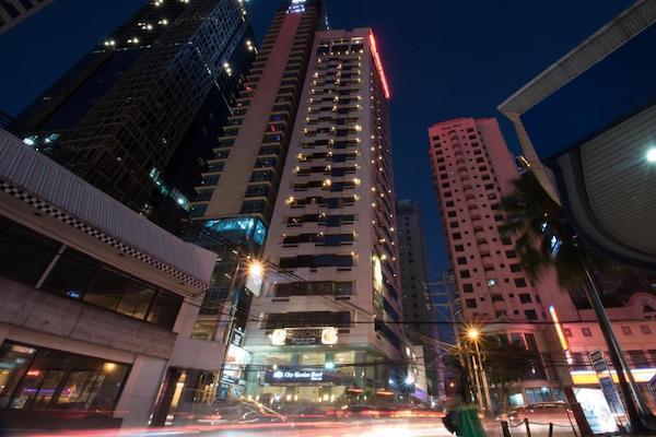 マニラ おすすめビジネスホテル City Garden Hotel Makati 外観