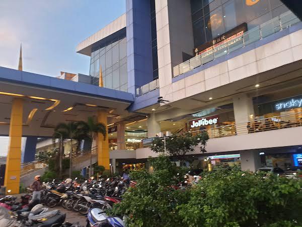 東横INNに併設されているJ center mall