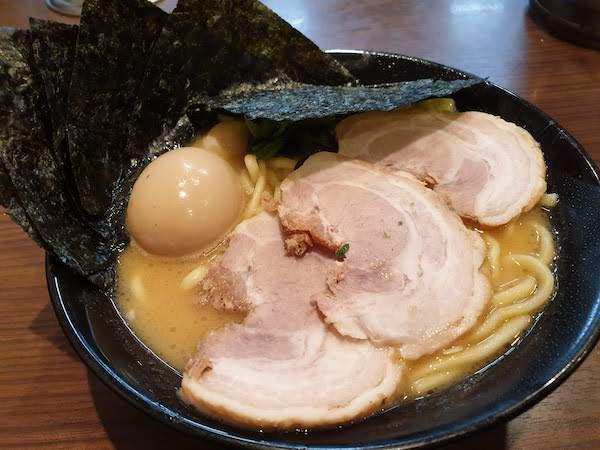横浜家系ラーメン 金町商店のMAXラーメン